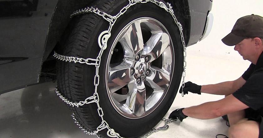 آموزش بستن زنجیر چرخ و رانندگی با آن در برف